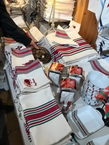 Basque souvenirs and gifts: Typical Basque tablecloth